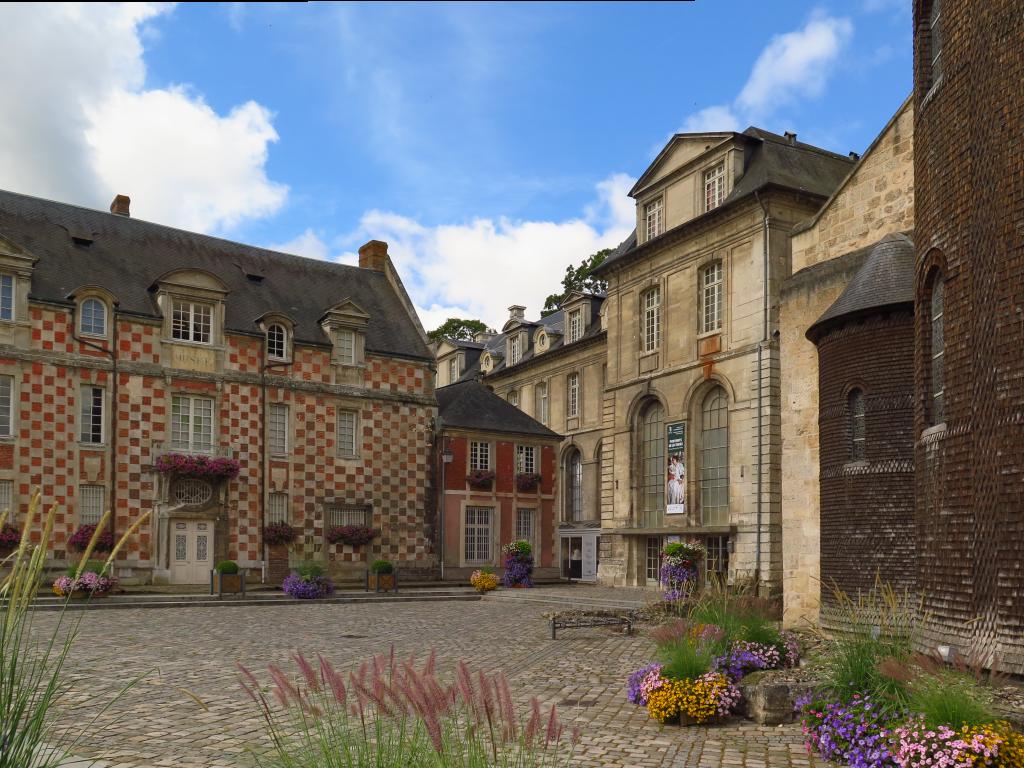 Bernay : Musée des Beaux-Arts, Hôtel de Ville, Abbatiale Notre-Dame